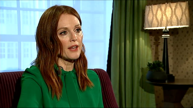 film still alice tackles the neglected condition dementia england london int julianne moore interview sot - ジャッキー ロング点の映像素材/bロール