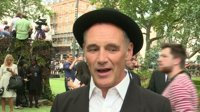 'the bfg' premiere england london ext mark rylance interview sot i looked at him the other night we were having dinner with his family and i suddenly... - mark rylance stock-videos und b-roll-filmmaterial