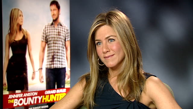 'The Bounty Hunter' premiere Jennifer Aniston interview ENGLAND London INT Jennifer Aniston interview SOT On working with Gerard Butler on Bounty...