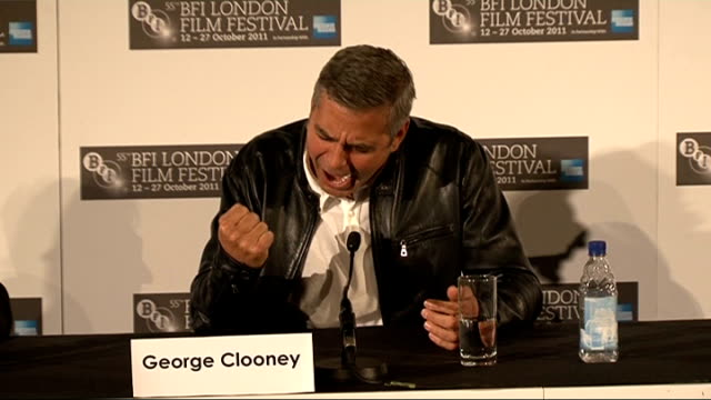 vídeos de stock, filmes e b-roll de 'the descendants' george clooney press conference clooney press conference sot on how he chooses films / on learning from his bad choices early in... - alexander payne