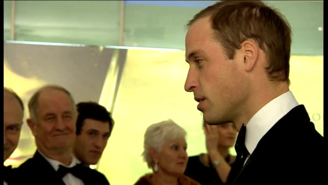 'the hobbit an unexpected journey' london film premiere prince william meeting cast prince william along green carpet with others and into cinema... - premiere stock-videos und b-roll-filmmaterial