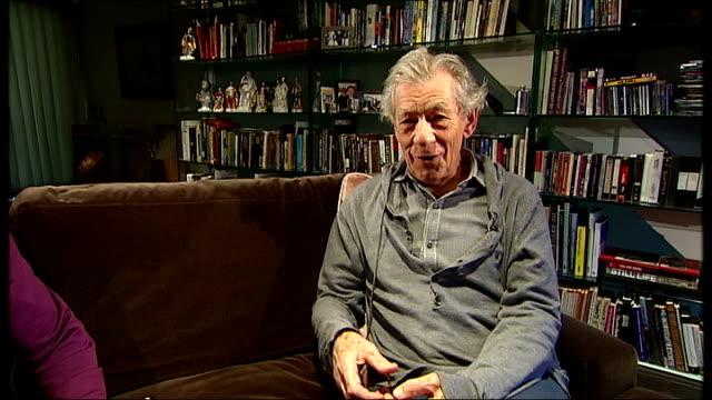 the hobbit world premiere in new zealand sir ian mckellen interview sot - ian mckellen stock videos and b-roll footage