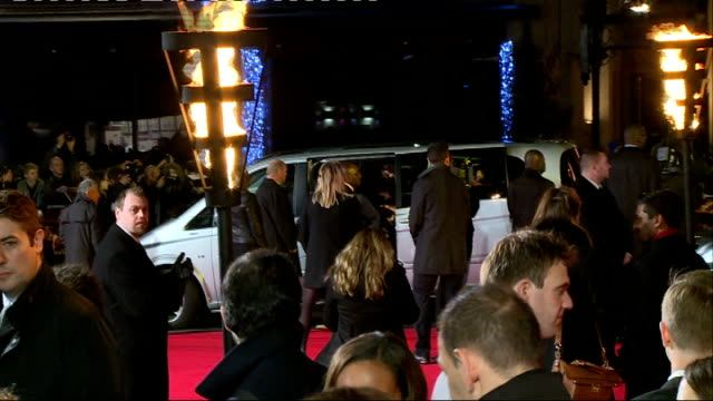 'The Hunger Games Mockingjay Part 1' Red carpet premiere interviews ENGLAND London EXT **Music heard SOT** PHOTOGRAPHY** People along on red carpet /...