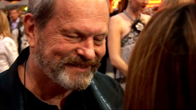 stockvideo's en b-roll-footage met 'the imaginarium of doctor parnassus' premiere red carpet arrivals terry gilliam speaking to press sot / terry gilliam interview on red carpet sot on... - terry gilliam