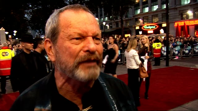 vídeos y material grabado en eventos de stock de 'the imaginarium of doctor parnassus' premiere: red carpet arrivals; terry gilliam interview continues sot - the 40th anniversary of monty python / a... - terry gilliam