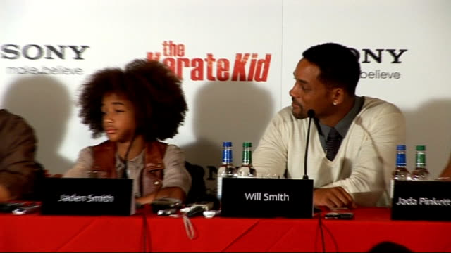 vidéos et rushes de 'the karate kid' press conference in london; will smith press conference sot - on whether he had been bullied in school; says he had some experience... - rush hour