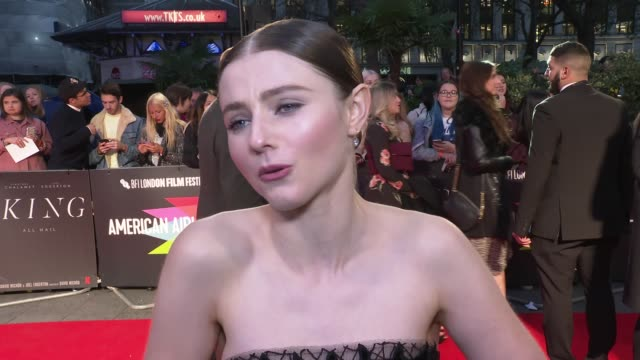 'the king' premiere red carpet england london leicester square odeon luxe ext thomasin mckenzie interview sot / mckenzie on the red carpet / ben... - odeon cinemas stock videos & royalty-free footage