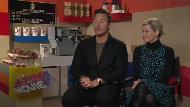 'the lego movie 2' junket interviews england london int chris pratt and elizabeth banks interview re 'the lego movie 2' film being based on chris... - chris pratt actor stock videos and b-roll footage