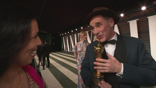 the oscars politics to the fore as 'spotlight' takes best picture award mark rylance interview sot reporter to camera - mark rylance stock-videos und b-roll-filmmaterial