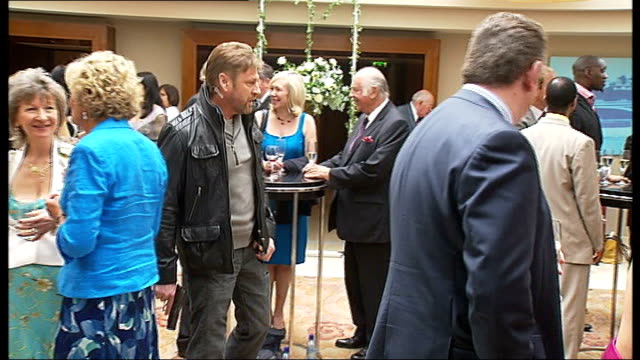 """thriller 'cleanskin' filmed in london: sean bean interview; england: london: int actor sean bean filming on the set of his new film """"cleanskin"""" which... - all around competition stock videos & royalty-free footage"""