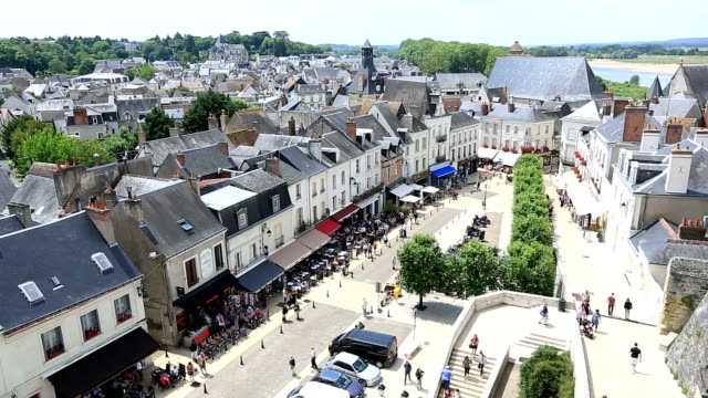 hd film tilt: amboise cityscape, france - 塔 個影片檔及 b 捲影像