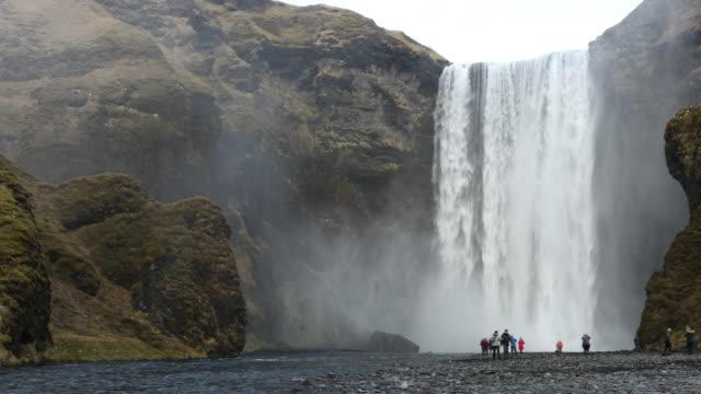 Film Tilt van Skogafoss waterval, IJsland