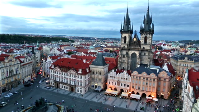 film tilt: pedestrian crowded at old town square prague czech republic sunset - prague stock videos & royalty-free footage