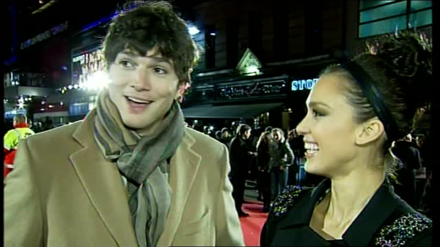 'valentine's day' premiere; england: london: leicester square: ext / night jessica alba and ashton kutcher interview sot - ashton kutcher stock videos & royalty-free footage