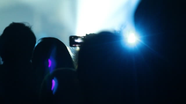 Filming concert with smart phone