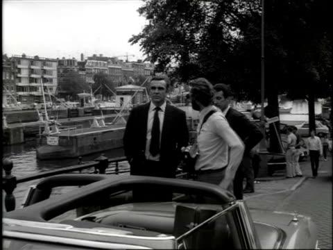 vídeos de stock e filmes b-roll de filming james bond film 'diamonds are forever' / amsterdam, noord-holland, netherlands - james bond fictional character