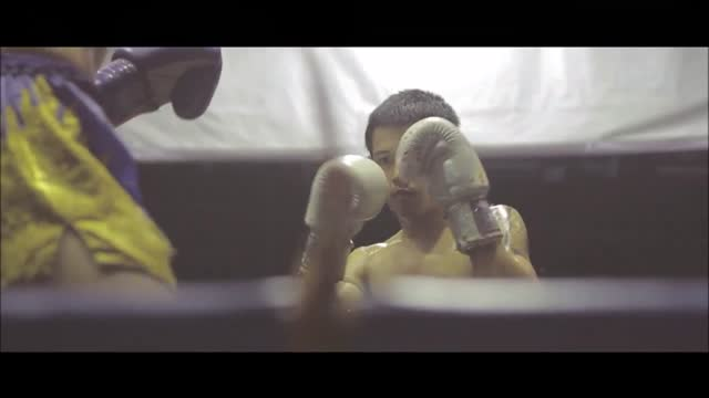stockvideo's en b-roll-footage met //www.facebook.com/tomson.media/timeline tom and graphic designer https://www.facebook.com/acrepin1 astrid made a break to thailand in april 2015.... - https