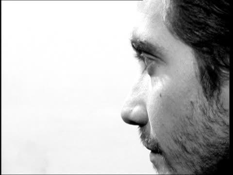 brokeback mountain jake gyllenhaal england london gyllenhaal interview sot talks of the work of director ang lee - jake gyllenhaal stock videos & royalty-free footage