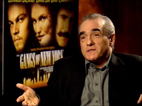 'gangs of new york'; scorsese interview sot - talks of the acting of daniel day lewis - ギャング・オブ・ニューヨーク点の映像素材/bロール