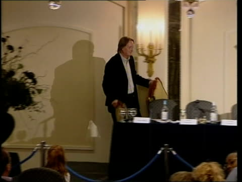 harry potter film: actors press conference; england: london: knightsbridge: int chandelier in hotel room used for harry potter press conference man... - actor stock videos & royalty-free footage