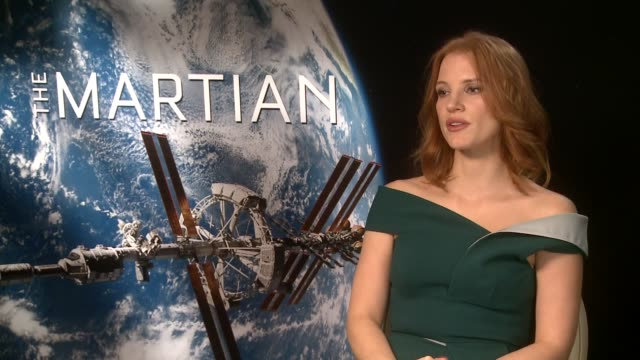 interviews with the cast of the new film the martian england london int jessica chastain interview sot kate mara interview sot sean bean interview sot - kate mara stock videos and b-roll footage