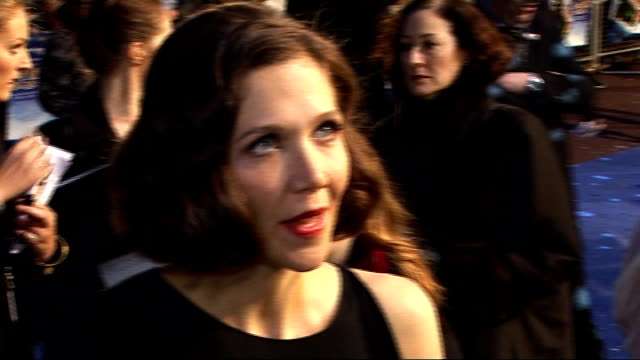 'nanny mcphee and the big bang' london premiere red carpet interviews thompson along on carpet as speaks to reporters maggie gyllenhaal speaking to... - nanny stock videos & royalty-free footage