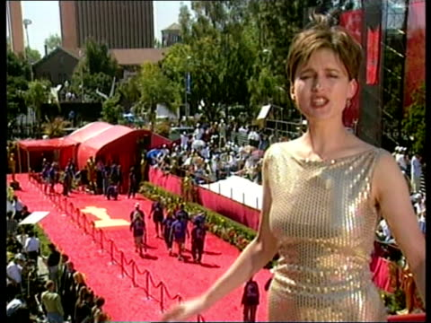 oscar ceremony anat itn usa california los angeles ext i/c people camping out to see celebrities arriving for the academy awards ceremony... - sweatshirt stock videos & royalty-free footage