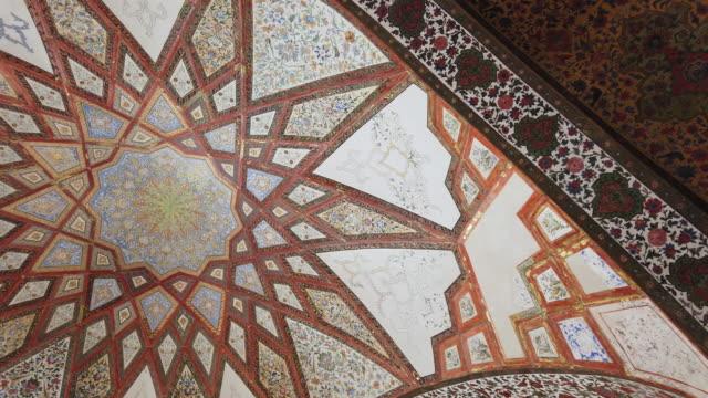 vidéos et rushes de fin garden - bag-e fin persian garden, kashan city, kavir desert, iran, western asia, asia, middle east, unesco world heritage site - tour d'azadi