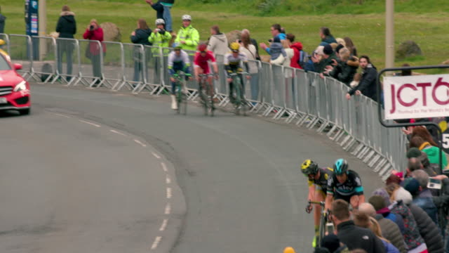 stockvideo's en b-roll-footage met final sprint to end of race marine drive scarborough north yorkshire england - scarborough engeland