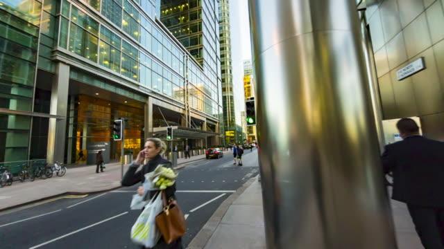 financial centre in london's docklands. - ステンレス点の映像素材/bロール