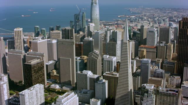 vídeos de stock e filmes b-roll de aerial financial district of san francisco, california - são francisco califórnia