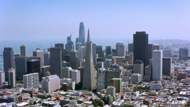 aerial bankenviertel, san francisco, kalifornien - san francisco california stock-videos und b-roll-filmmaterial
