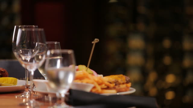 fine dining for lunch - cheeseburger stock videos & royalty-free footage