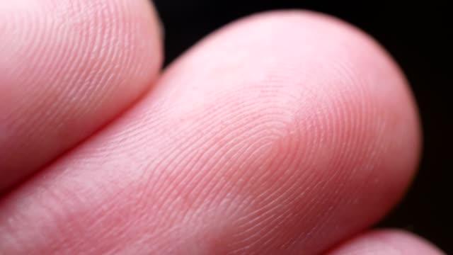 vídeos de stock, filmes e b-roll de close-up de impressão de dedo - individualidade