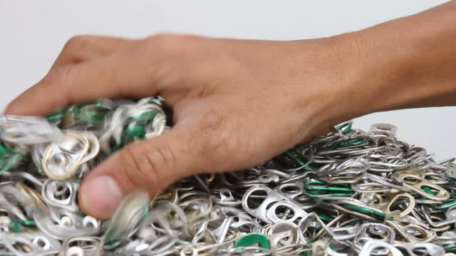 vídeos y material grabado en eventos de stock de aleta de barras de anillo de apertura abrelatas. - bieldo equipo agrícola
