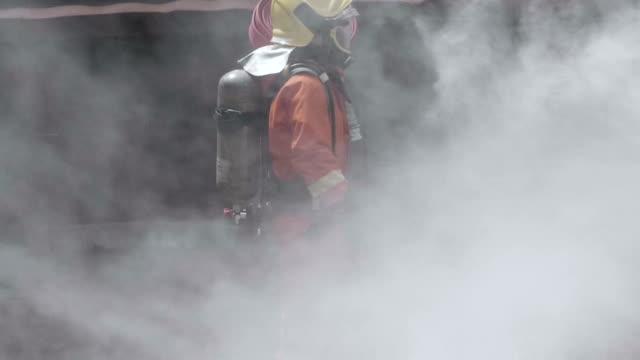 仕上げの仕事 - 大火点の映像素材/bロール