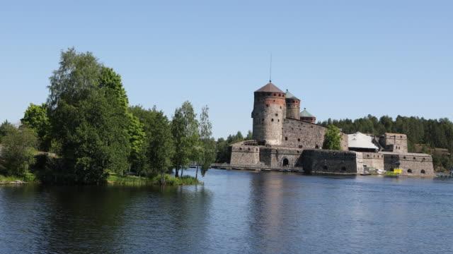 finland, view of the castle olavinlinna in savonlinna - castello video stock e b–roll