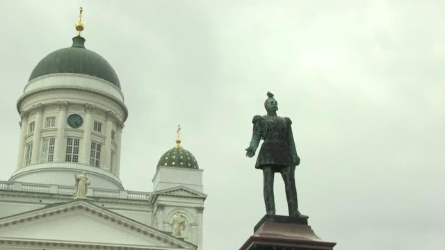 finlandia noruega y dinamarca son los paises donde la gente es mas feliz incluso sus inmigrantes segun un informe de naciones unidas - naciones unidas stock videos & royalty-free footage