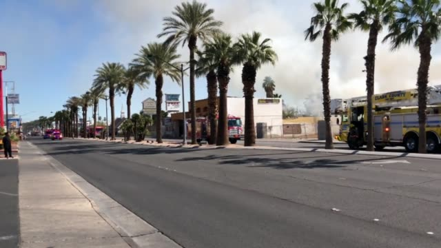 stockvideo's en b-roll-footage met fire at rummel motel on las vegas blvd - boulevard