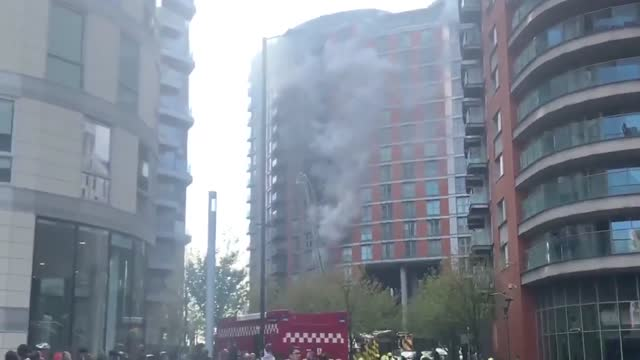 fire broke out at the new providence wharf tower residences in blackwall, london on friday morning, may 7.fire crews responded to the scene and... - sporting term stock videos & royalty-free footage
