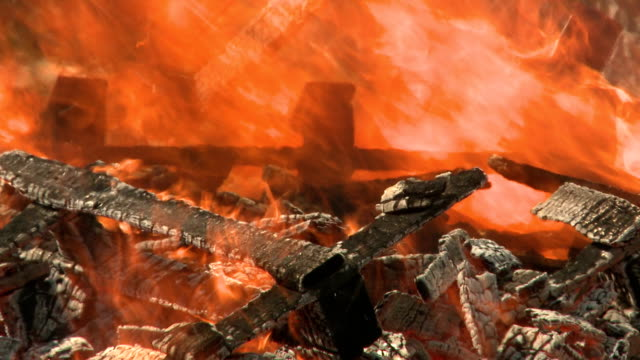 fire - burning fire - feuer stock videos & royalty-free footage