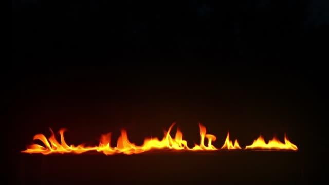 スローモーションで燃える火 - 可燃性点の映像素材/bロール