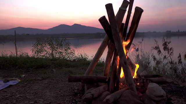 fire camping for happiness on holiday - holiday camp stock videos & royalty-free footage