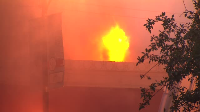 A fire destroyed 3 Wrigleyville businesses The Samah Hookah Lounge The Roadhouse 66 and Thai Classic There were no injuries Flames Coming Out...