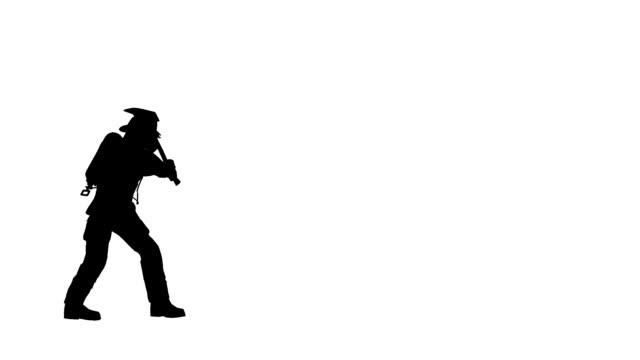 vídeos de stock, filmes e b-roll de fogo lutador-break porta com machados - efeito especial