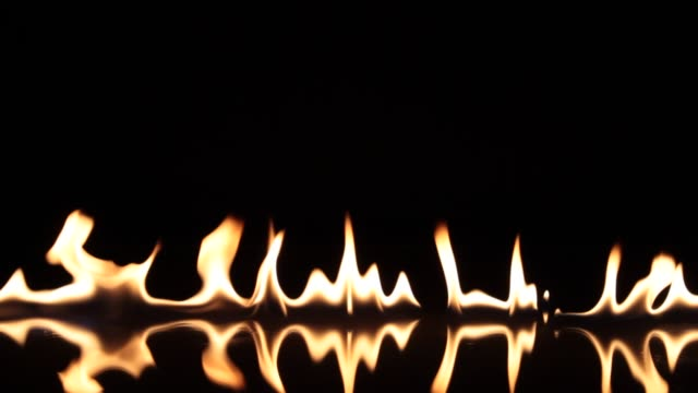 feuer flammenzündung - transparent stock-videos und b-roll-filmmaterial