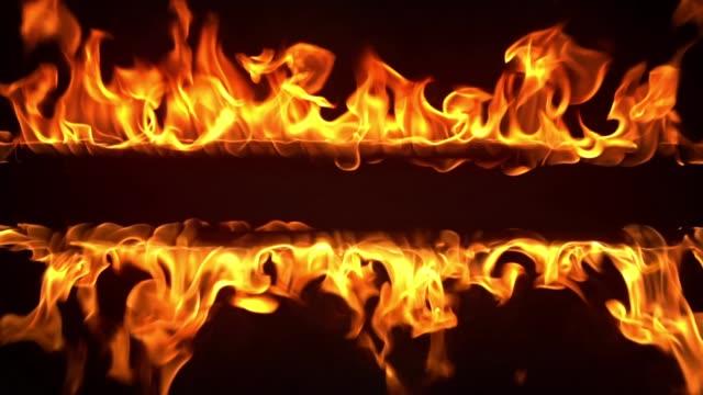 fire frame in fiamme al rallentatore - colore isolato video stock e b–roll