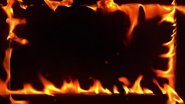 スローモーションで燃える火のフレーム - 可燃性点の映像素材/bロール