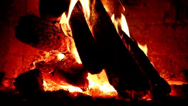 HD: Fire in fireplace