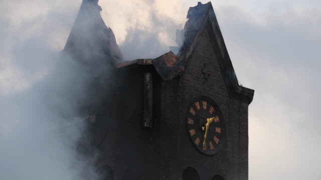 """fire in the roman catholic church of hoogmade. on monday, november 4 a fire started in the """"onze lieve vrouw geboortekerk"""" during painting work. the... - collapsing stock videos & royalty-free footage"""